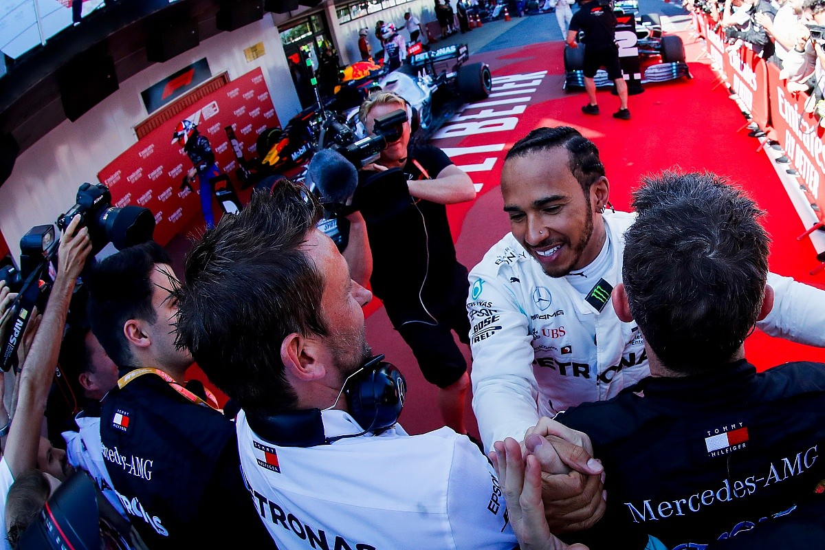 Lewis Hamilton vence o GP da Espanha em novo 1-2 da Mercedes